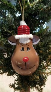 Handpainted Recycled Light bulb Reindeer by KlassyKreations3, $9.95...adorable